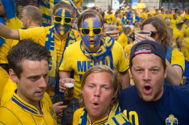 1340046669-sweidsh-fans-gather-in-the-swedishs-corner-at-euro-2012-championship_1285692
